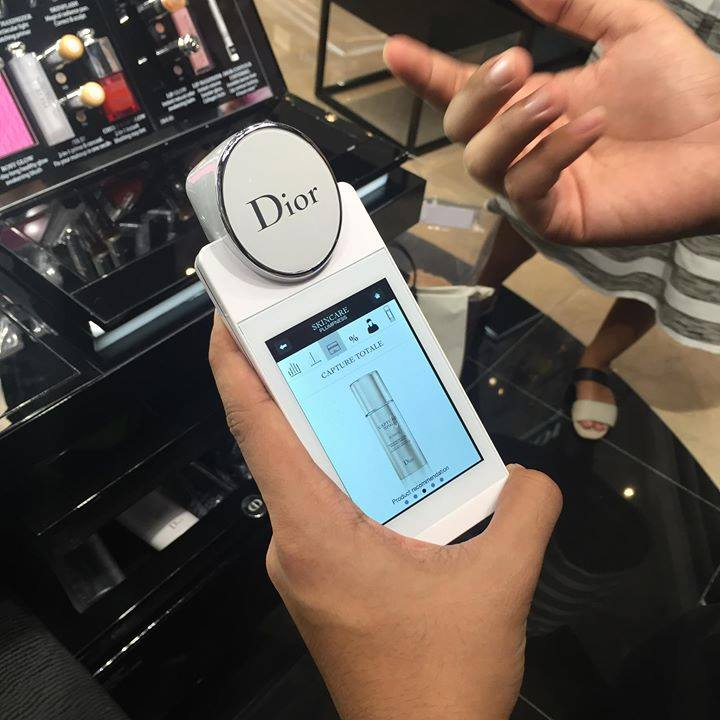 What is dior skin analyzer?